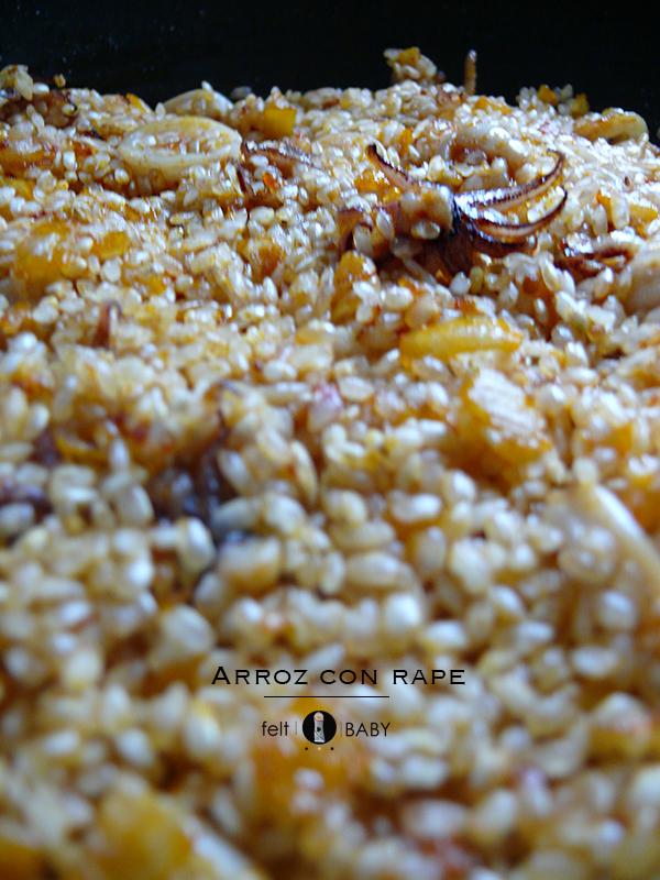 Lifestyle blog feltbaby arroz con rape detalle sofrito